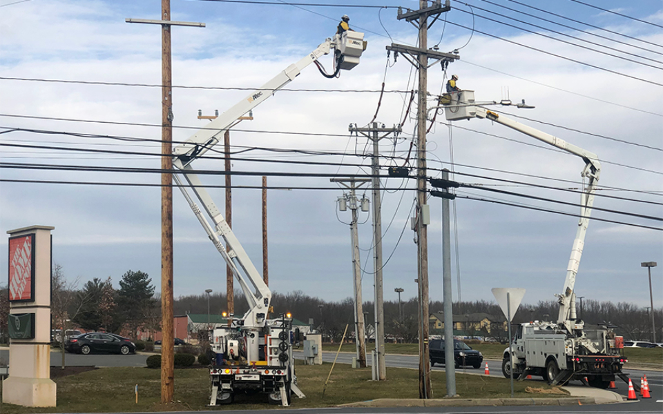 City of Newark transfering aerial cables - January 2020